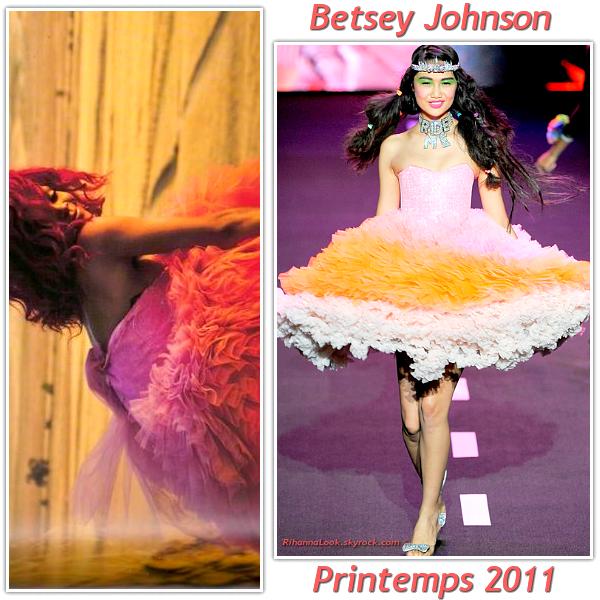 Rihanna porte une robe betsey johnson collection for Robes de mariage de betsey johnson